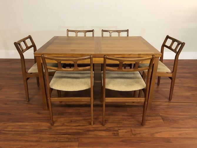 Teak Draw Leaf Dining Table & 6 Chairs