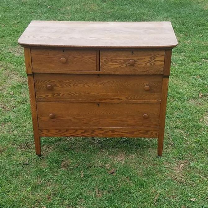 Early 20th Century Oak 4 Drawer Dresser