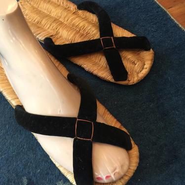 Vintage 1950's black velvet Asian peep toe sandals~ flip flops~ 50's~ unique woven open toe sandals size 7-8 by HattiesVintagePDX