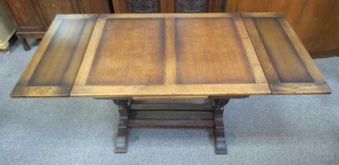 T51a Oak Jacobean Draw Leaf Table c. 1940's