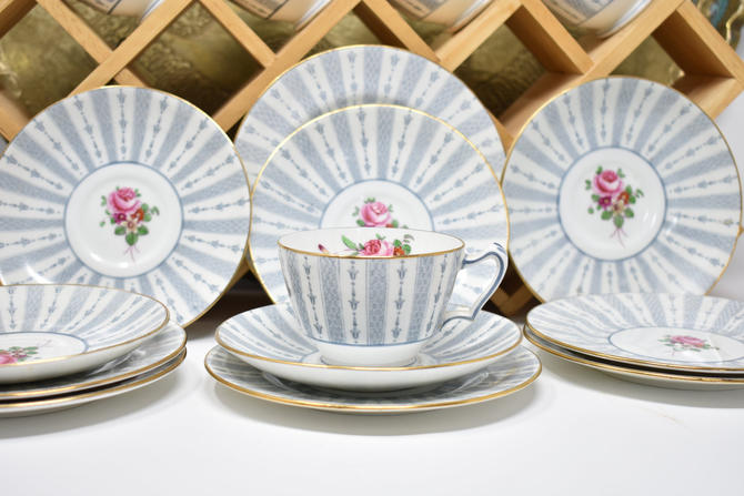 Vintage Tea & Dessert Service for 5-6 in Crown Staffordshire No 649261 1930s 1940s 1950s British English 5 tea cups/saucers 6 dessert plates by LostandFoundHandwrks