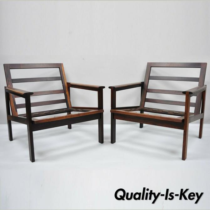 Pair of Rosewood Danish Modern Capella Lounge Club Arm Chairs by Illum Wikkelso