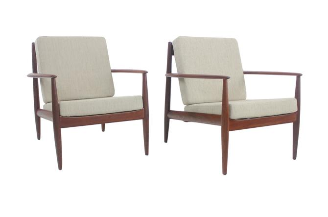 Pair of Classic Scandinavian Modern Lounge Chairs Designed by Grete Jalk