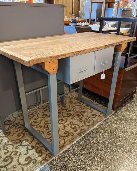 Industrial table 45x22x34