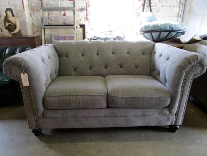 CHESTERFIELD LOVESEAT IN GREY UPHOLSTERY WITH NAIL HEAD TRIM
