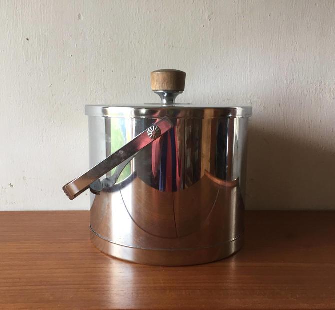 Polished Metal Ice Bucket w Wood Handle by Atapco by ModandOzzie