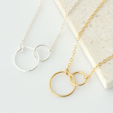 Interlocking Circle Necklace, Gold Infinity Necklace, Linked Circle Necklace, Best Friend Necklace, Mother Daughter Necklace, Gift for Her by LEILAjewelryshop