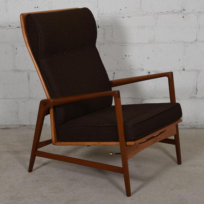 Danish Modern Teak Kofod Larsen Reclining Lounge Chair w / Ottoman