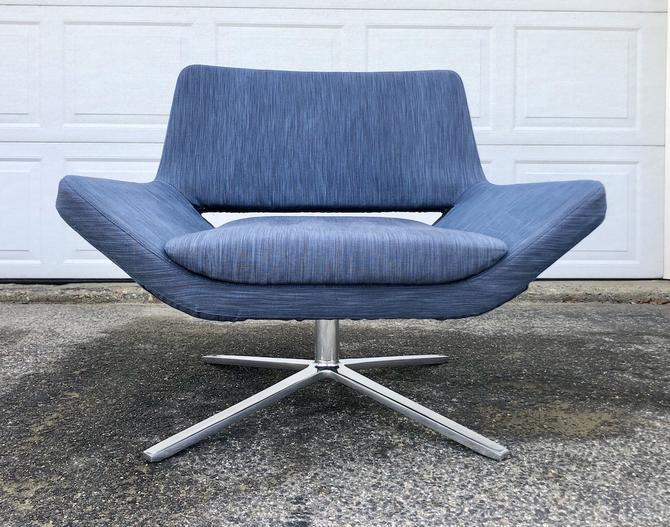 "B&B Italia ""Metropolitan"" Swivel Lounge Chair-Blue"