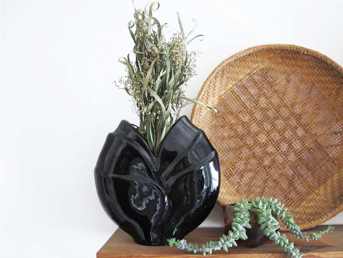 Vintage 80s Black Deco Flower Vase - 1980s Ceramic Vase - Flat Orb Ikebana Vase - 80s Home Decor by MILKTEETHS