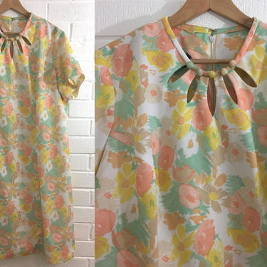 Vintage Mynette Pastel Floral Shift Dress 70s Mod Peach Mint Green White Yellow 1970s Mod Twiggy Short Sleeve Plus Size XXL 3X Curvy Volup by CheckEngineVintage