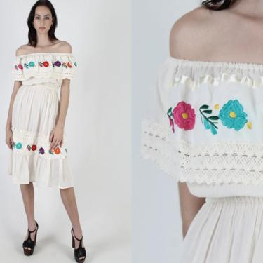 Off The Shoulder Ivory Mexican Dress / Crinkle Cotton Crochet Dress / Vintage 70s Ethnic Colorful Embroidered Mexico Party Mini Midi Dress by americanarchive