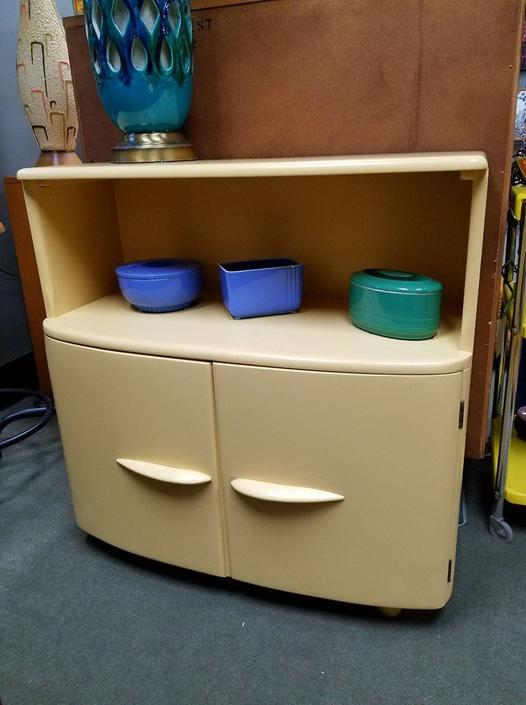 Mid-Century Heywood-wakefield small buffet paint a soft butter yellow
