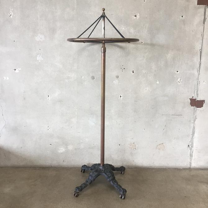 Victorian Rolling Rounder Clothing Rack