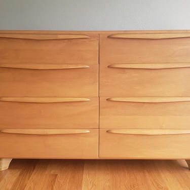 Mid Century Modern Blond Double Dresser in the style of Heywood Wakefield by WrightFindsinMCM