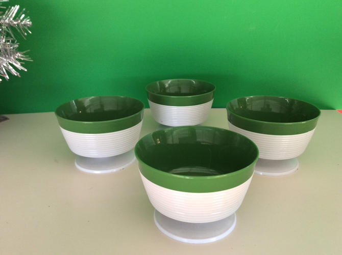 Raffiaware Dessert Bowls Set of 4 by Thermo-Temp, Retro Sweet by nauhaus