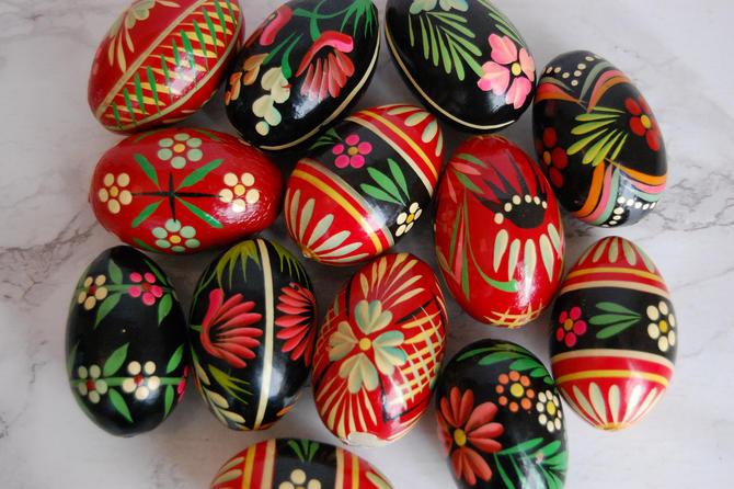Painted Wood Eggs Pysanka Pysanky Russian Ukranian Orthodox Easter Eggs Set of 13 by PursuingVintage1