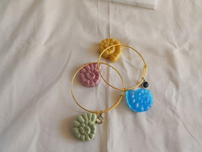 Spiral Seashell Charm Bracelet by SkiinTones
