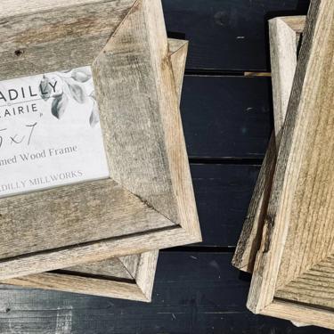 Beveled Edge Reclaimed Wood Wall Hung 5x7 Picture Frame | Rustic Photo Frame | Barn Wood Frame | Barnwood Frame | Nautical | Cabin | Wedding by PiccadillyPrairie