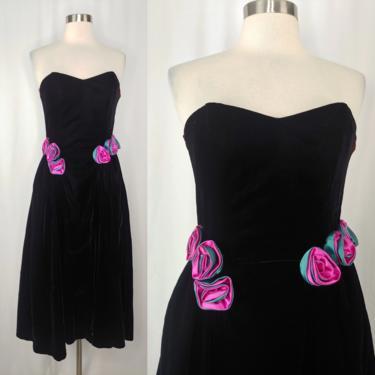 Vintage Eighties Black Velvet Strapless Formal Prom Dress with Roses - 80s XXS Heidi J Black Velvet Cocktail Dress by JanetandJaneVintage