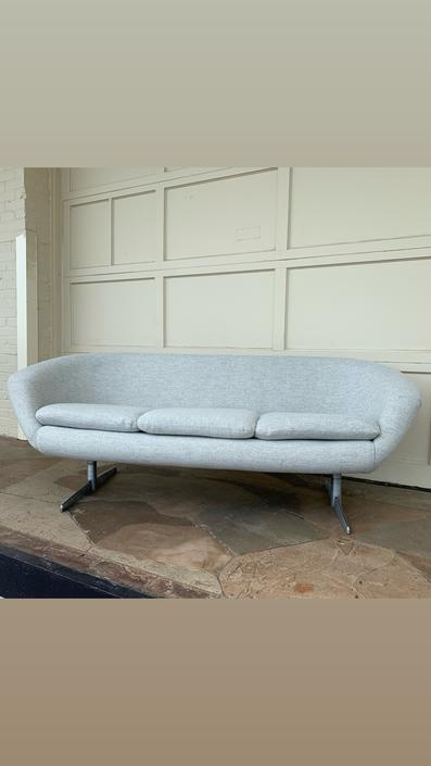 HA-CKLM Swedish Overman Sofa