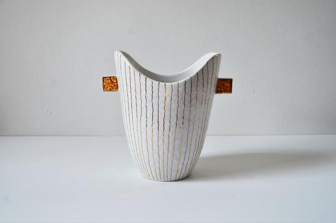 White Italian Modern Pottery Vase with Gold Striping - Bitossi, Raymor by SourcedModern