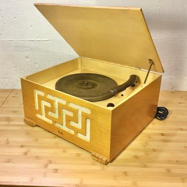 1946 Aviola 78rpm Record Player, Pecan Wood Case, Restored and Working Well by Deco2Go