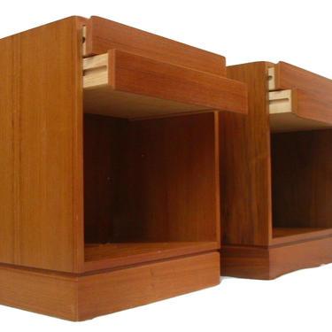 Teak Danish Modern Vintage Nightstands / End Tables  Designed By Arne Wahl Iversen for Vinde Mobelfabrik MCM Mid Century Modern by RetroSquad
