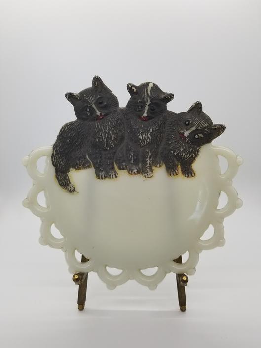 Retro Westmoreland Milk Glass Kitten Dish