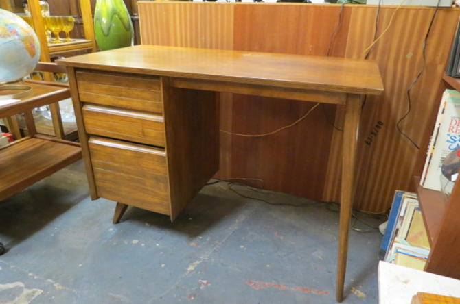 Vintage MCM Paul Mccobb style walnut desk