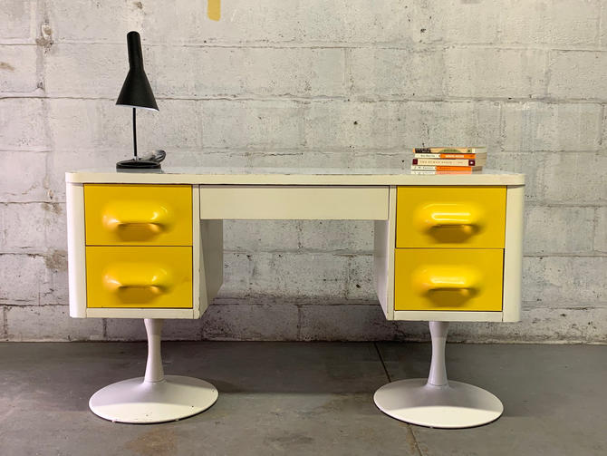 Mid Century MODERN BROYHILL Premier Chapter One DESK by CIRCA60