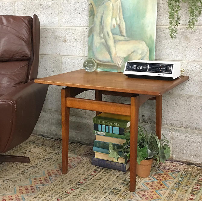 LOCAL PICKUP ONLY ———— Vintage Jens Risom End Table by RetrospectVintage215