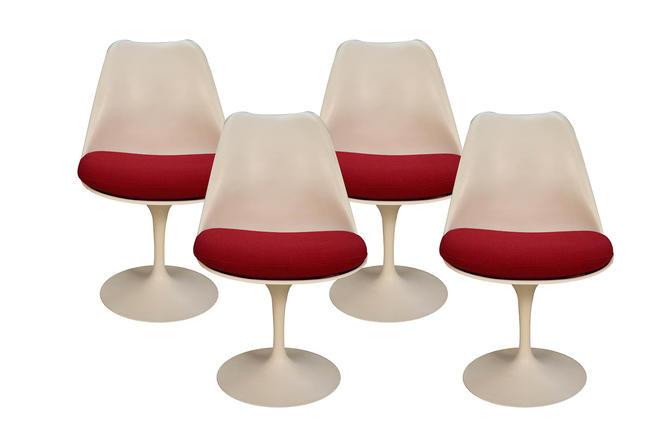 Four Knoll Eero Saarinen Swivel Tulip Chairs by Marykaysfurniture