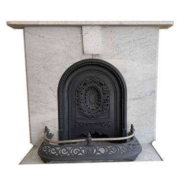 Simple NYC Townhouse Mantel in Carrara Marble