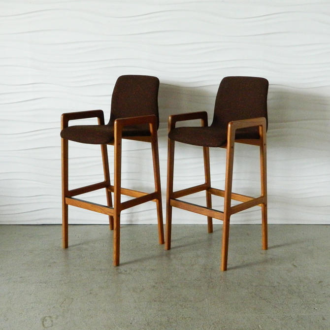 HA-C7944C Pair of Teak Barstools