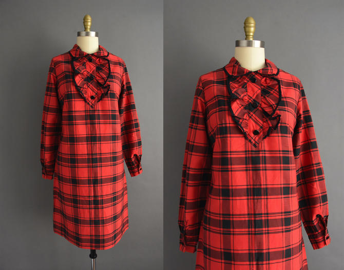 vintage 1970s   Adorable Long Sleeve Red & Black Plaid Print Ruffle Collar Dress   Large   70s dress by simplicityisbliss