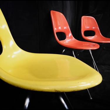 Krueger Fiberglass Mid-Century Chair with Chromed Legs