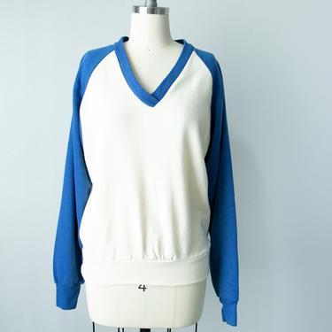 1980s Sweatshirt Reglan V Neck M by dejavintageboutique
