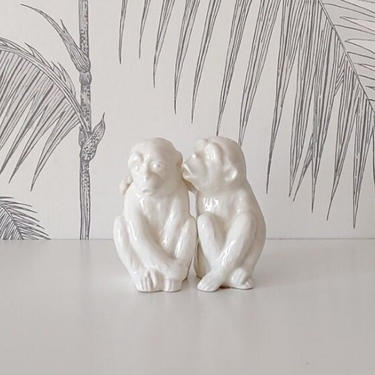Vintage Salt and Pepper Shakers, Pair of Monkies, made in Japan, circa 30's by DecoDiscoDecor