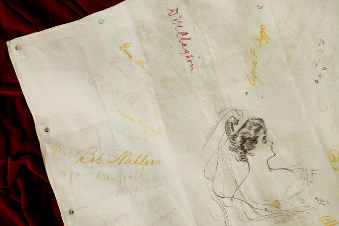 1910s Signature Pillowcase / Edwardian Autograph Memorial Linen / Hand Embroidered / Illustration by GuermantesVintage