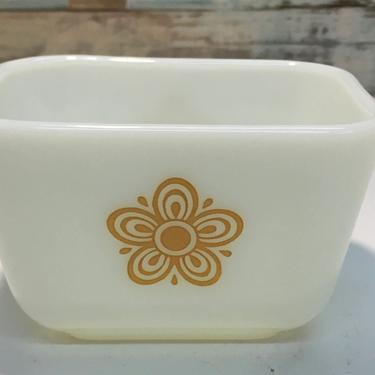 "Pyrex ""Butterfly Gold"" #501 Refrigerator Dish by JoyfulHeartReclaimed"