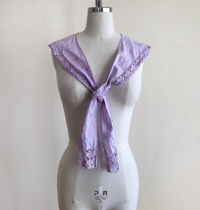 Light Purple, Embroidered Collar/Scarf - 1980s by LogansClothing