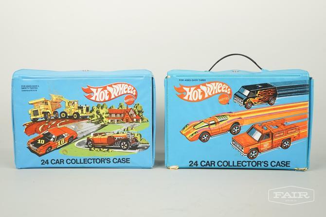 2 Hot Wheels Mattel 24 Car Carrying Cases w/ Cars