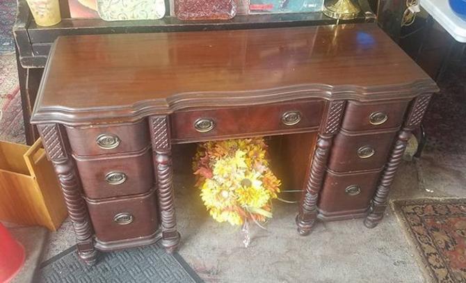 Vanity Desk, mahogany,