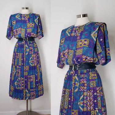 Vintage 80s Pleated Secretary Dress ~ Size Large ~ Short Sleeve Midi Day Dress ~ Free Bust Blouson Top ~ Statement Stained Glass Print Dress by SoughtClothier