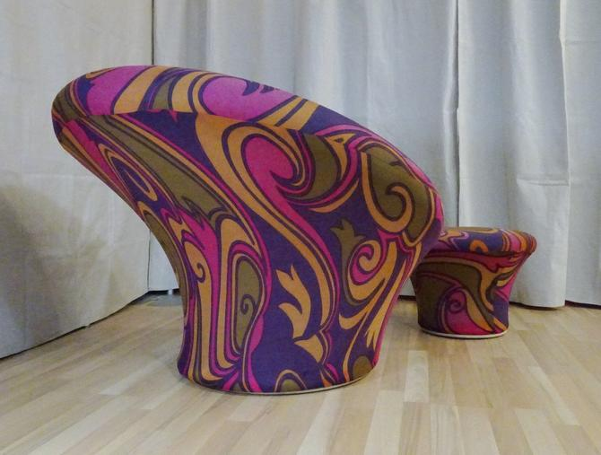 Pierre Paulin large mushroom and ottoman with original Lenor Larsen Fabric by PREVIEWMOD