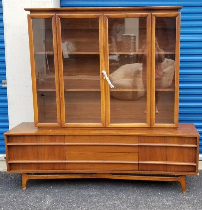 Mid Century Kagen Styled 2pc Curved Walnut Sideboard/Credenza Display Cabinet