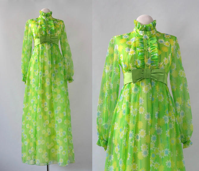 3213ccc66 DAISY DOES IT Vintage 70s Dress | 1970s Green Floral Print Maxi Granny Dress  w/