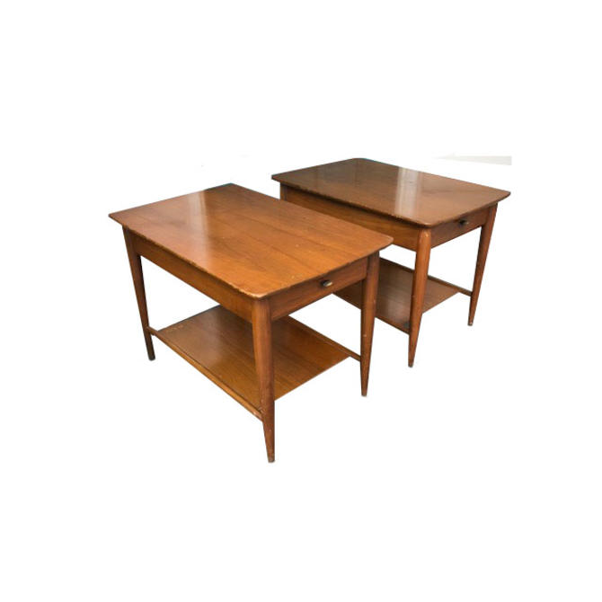 #553: Pair of Mid Century End Tables