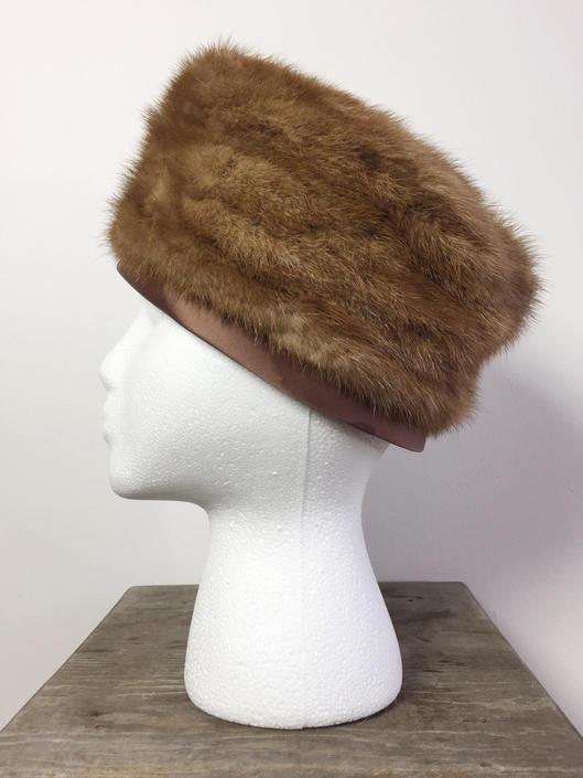 Vintage Brown Fur Hat   Vintage Fur Hat   1950s Fur Pillbox Hat ... cd615f41f6c